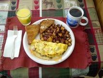 Kiełbasiany i serowy omelette Obrazy Stock
