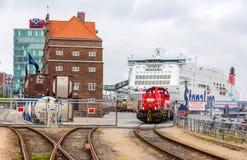 KIEL, ALEMANIA - 1 DE JUNIO: Ferrocarril en Kiel Seaport el 1 de junio de 2014 Foto de archivo