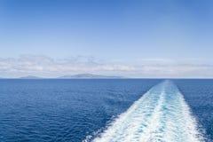 Kielwater i havet Royaltyfri Bild
