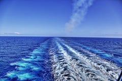 Kielzog van cruiseschip Stock Fotografie