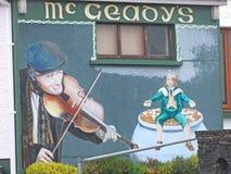 Kieme Darby O 'und die kleinen Leute malten auf der Wand lizenzfreies stockbild