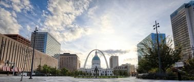 Kiener Plaza and the Gateway Arch in St. Louis, Missouri royalty free stock photo