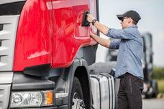 Kierowca i Jego Semi ciężarówka zdjęcia royalty free