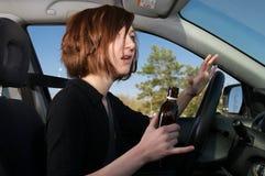 kierowca pijąca kobieta szokujący dostaje Zdjęcia Royalty Free