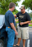 kierowca pijący jego target424_0_ kluczy obraz royalty free