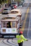 Kierowcy i pracownicy Hyde wykładają wagon kolei linowej w San Francis Zdjęcie Stock