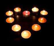 Kierowe świeczki na ciemnym tle Zdjęcia Royalty Free