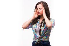 Kierowniczy ból Dziewczyny mienia głowa w rękach i utrzymywać ono przygląda się Fotografia Stock