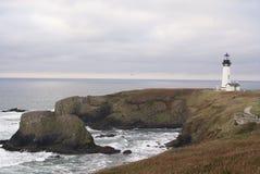 kierowniczy latarni morskiej Newport Oregon yaquina obraz royalty free