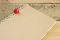 Kierowy Brown notatnik na podłoga Obraz Royalty Free