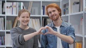 Kierowy gest parą w miłości, jeden miłość dla życia zdjęcie wideo