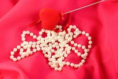 kierowy kolii perły czerwieni jedwab Zdjęcie Royalty Free