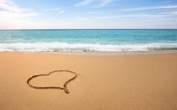 Kierowy kształt na plaży Obrazy Royalty Free