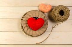 kierowy kształt z rolką dratwa sznur na pustej drewnianej desce, dolina zdjęcie royalty free
