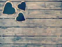Kierowy kształta znak na drewnianej ścianie Zdjęcie Royalty Free