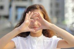 Kierowy symbol wręcza dziecka obraz royalty free