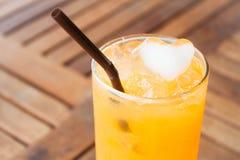 Kierowy sześcianu lód sok pomarańczowy Obrazy Royalty Free