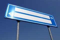 Kierunkowy pusty drogowy znak Zdjęcia Stock
