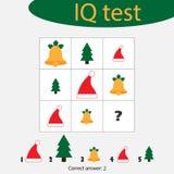 Kies correct antwoord, IQtest met Kerstmispicturees voor kinderen, het onderwijsspel van de Kerstmispret voor jonge geitjes, peut royalty-vrije illustratie