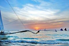 Kies uw zonsondergang en uw eilandzonsopgang Royalty-vrije Stock Foto's