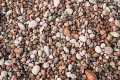 Kiesel auf dem Strand Beschaffenheit des Seeufers Das adriatische Meer Lizenzfreie Stockfotos