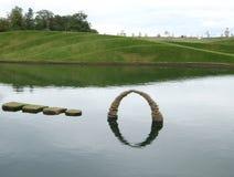 Kiesel-Skulptur lizenzfreie stockbilder