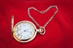 Kieszeniowego zegarka i srebra łańcuch. Obrazy Stock
