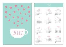 Kieszeniowy kalendarz 2017 rok Tydzień Zaczyna Niedziela Płaskiego projekta orientaci Pionowo szablon Teacup z sercami grunge tła Zdjęcie Royalty Free
