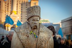 kiev Украина 10-ое марта 2014 Деревянная скульптура Shevchenko внутри стоковые изображения