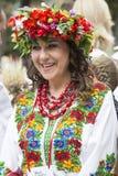 Kiev, de Oekraïne - Augustus 24, de Viering van 2013 van Onafhankelijkheidsdag, vrouw in etnische kleding Royalty-vrije Stock Foto