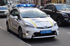 KIEV de OEKRAÏNE - 21 Februari 2017: De politiewagen van de Oekraïne Probleem met Oekraïense Politiehervorming Stock Afbeeldingen