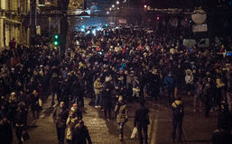 Kiev, de Oekraïne - Januari 1, 2017: Sofievskaploscha: mensen die Nieuwjaar vieren Stock Foto's