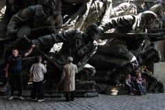 KIEV, de OEKRAÏNE - mag 09, 2015: Militaire banden maart op de dag van de 70ste verjaardag van de overwinning over Nazisme in Kie stock afbeelding