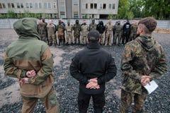 KIEV, de OEKRAÏNE - Mei 7, 2015: Oekraïens rekruten vrijwilligersbataljon Azov Stock Foto