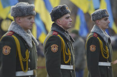 KIEV, de OEKRAÏNE - 28 Nov., 2015: De voorzitter van de Oekraïne Petro Poroshenko en zijn vrouw herdacht de slachtoffers van de h Royalty-vrije Stock Afbeelding