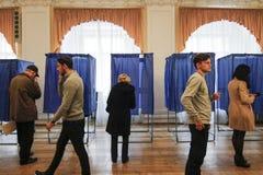 KIEV, de OEKRAÏNE - Oktober 25, 2015: Regelmatig geplande lokale verkiezingen in de Oekraïne Royalty-vrije Stock Foto
