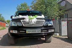 Kiev, de Oekraïne - September 6, 2013: Huwelijk Lexus Lexus LX 470 stock foto's