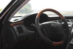 Kiev, de Oekra?ne - Augustus 6, 2018: Hyundai-Grootsheid Mening van het binnenland van een moderne auto die het dashboard tonen royalty-vrije stock afbeelding