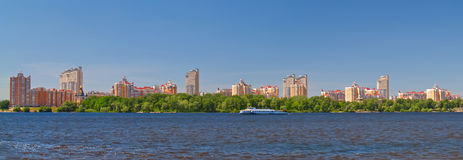Kiev en el río Dnieper, Ucrania Fotos de archivo