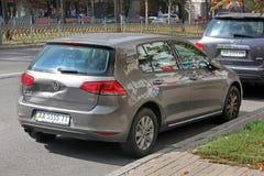 Kiev - l'Ucraina Settembre 2017 Volkswagen Golf dopo l'incidente fotografia stock