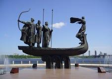 Kiev, Monument van stichters Royalty-vrije Stock Afbeeldingen