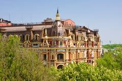 KIEV, 5 Oekraïne-Mei: De oude bouw in de neo-renaissancestijl in Kiev op 5,2013 Mei.  De hotelrenaissance Kyiv. Royalty-vrije Stock Foto's