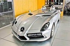 Kiev, 2 Oktober, 2013 Het Mos van Mercedes-Benz SLR McLaren Stirling AMG royalty-vrije stock foto's