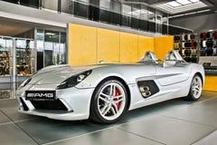 Kiev, 2 Oktober, 2013 Het Mos van Mercedes-Benz SLR McLaren Stirling AMG royalty-vrije stock afbeelding
