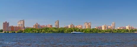 Kiev op rivier Dnieper, de Oekraïne Stock Foto's