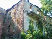 Kiev sconosciuta Vecchia iarda in Podil, Kyiv, Ucraina, estate 2016 Fotografia Stock
