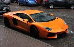 Kiev, Ucrânia; 1º de julho de 2012; Lamborghini Aventador nas ruas fotografia de stock