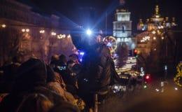 Kiev, Ucrânia - 1º de janeiro de 2017: Quadrado de Sophia Os povos estão comemorando o ano novo Foto de Stock Royalty Free