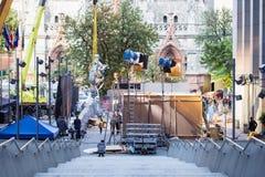 Kiev, Ucrânia - 15 de julho de 2017 fora plateau de filmagem Cena da produção do cinema na rua da cidade Realização real cândido Foto de Stock Royalty Free