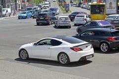 Kiev, Ucrânia 10 de junho de 2017 Hyundai branco Genesis Coupe fotos de stock
